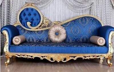 30 desain Sofa Santai ukir untuk Ruang Keluarga dengan model Klasik mewah