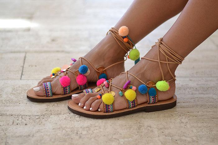 pom pom sandals trend