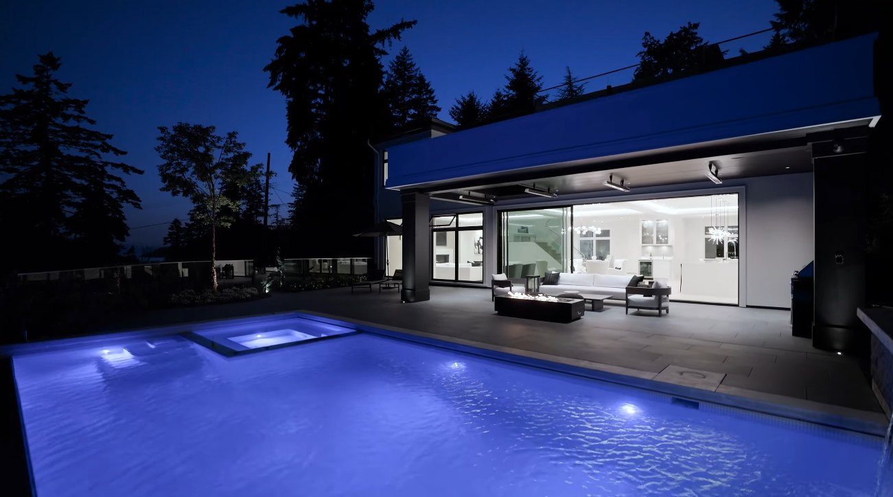 74 Photos vs. Luxury Contemporary Home In West Vancouver Interior Design Tour