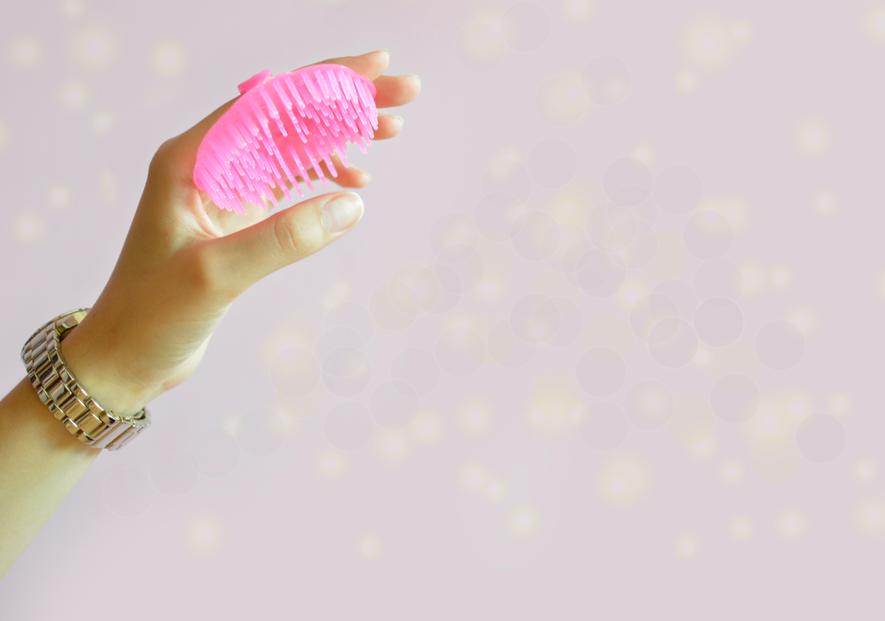 Jak stosować wcierki do włosów