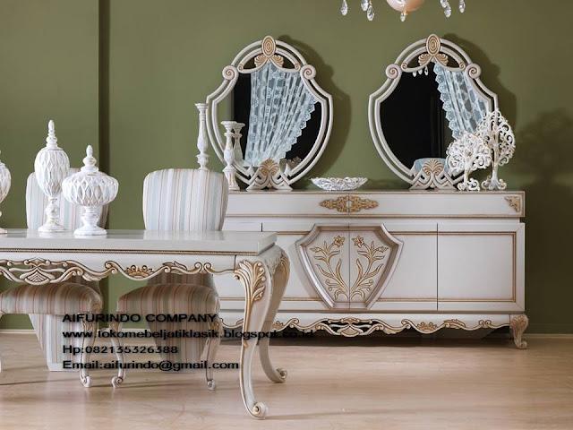 meja makan klasik jepara,meja makan set duco french style,meja ruang makan set ukir french style,furniture mebel jepara,toko mebel jati klasik,furniture Jati Klasik duco mewah,code A1015