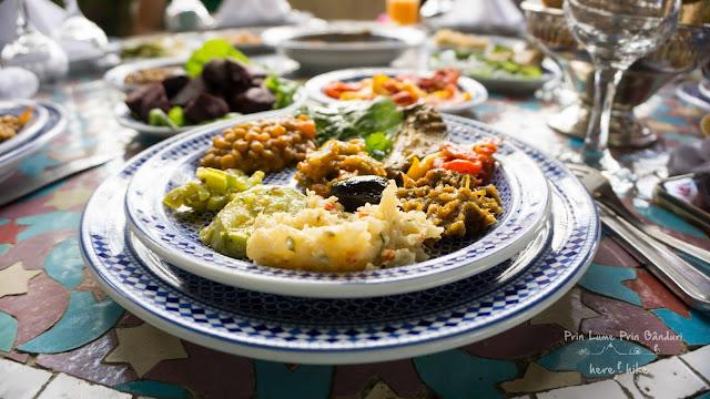 morocco-marakkesh-chefchaouen-bazaar-salad