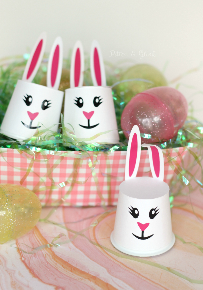 Make K-Cup Pod Easter bunnies for friends to put a little hop in their step. pitterandglink.com