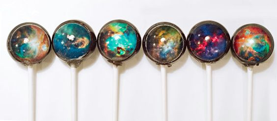 11-Hubble-Nebula-Designer-Lollipop-Priscilla-Briggs-Designer-Lollipop-Edible-Food-Art-www-designstack-co