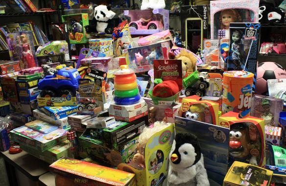 https://obatasmauntukibuhamilyangaman.blogspot.com/2017/12/punya-banyak-mainan-justru-bikin-anak.html