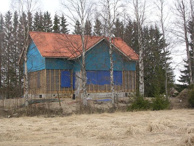 talonrakentaminen kesken