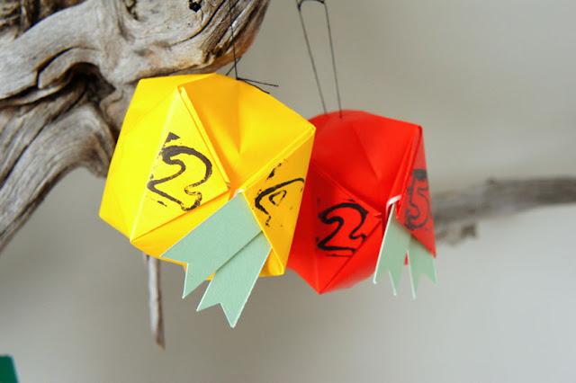 i d l e w i f e : quick origami balloon advent calendar - photo#31
