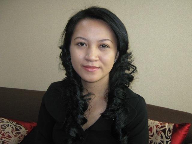 http://notifikasiku.blogspot.com/2012/04/karolin-margret-natasa-anggota-dpr.html