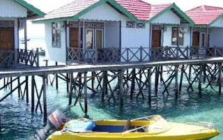 Resort Cottage Lodge in Derawan Island Beach