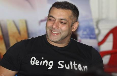 salman-khan-free-from-arms-act-charges-from-jodhpur-court