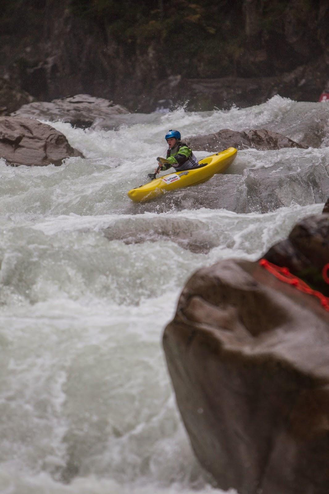 Periodo perioperatorio Acurrucarse escena  Nouria Newman: Adidas Sickline - Extreme Kayaking World Championships