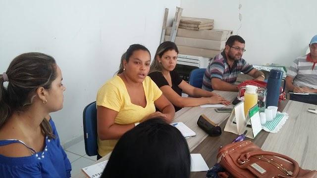 Secretaria de Saúde de Amparo realizou reunião para promover dia D de combate a Epidemias no municipio