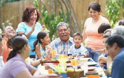 Resultado de imagen para comer en familia mexicana