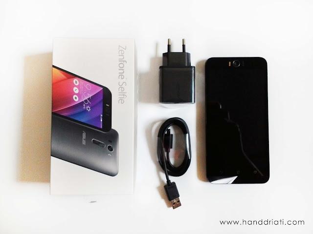 Kelengkapan Box ASUS Zenfone Selfie