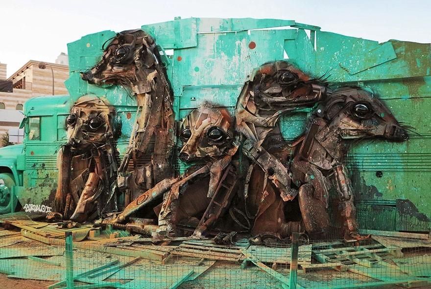 Meerkat / Luwak - Seni Lukisan Binatang Menakjubkan Dan Kreatif Dari Bahan Sampah