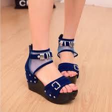 Model Sepatu Sandal Wanita Untuk Rekreasi Terbaru