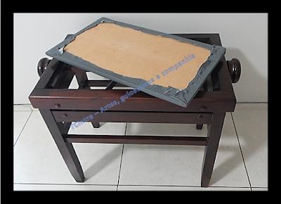 banqueta para piano; reforma de móveis; estofando banqueta; estofando banco; grampeador rocama;