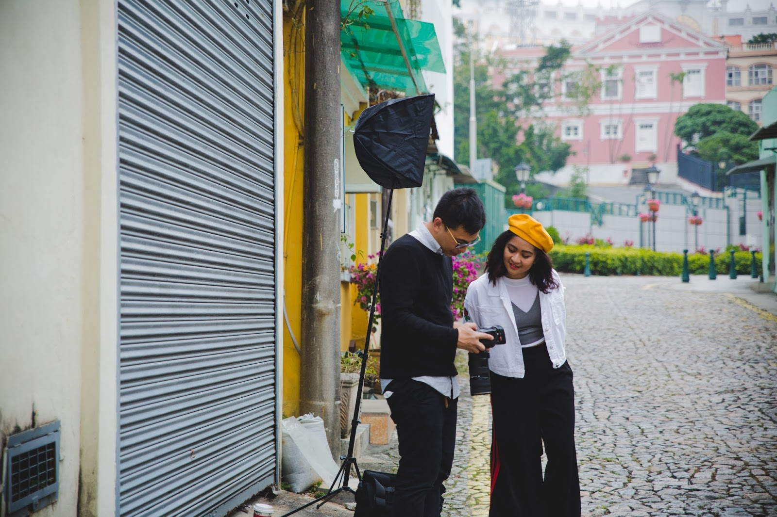 magazine photoshoot behind the scenes with macau fashion blogger carla florendo