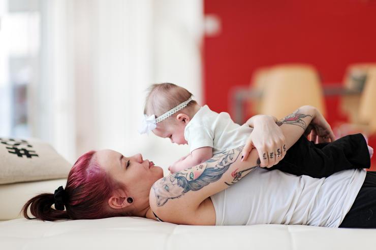 madre con tatuajes