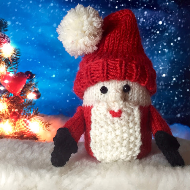 Secret Surprise Santa - knitting pattern on Crafts from the Cwtch Blog