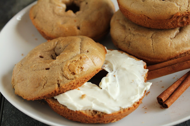 quick cinnamon bagels, gluten-free, low-fructose, cream cheese