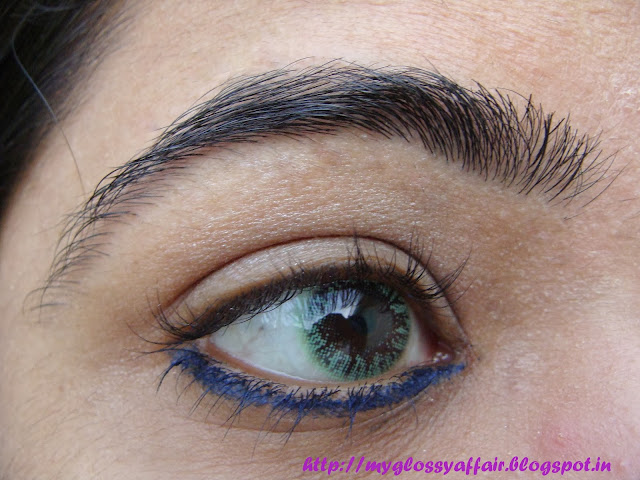 Blue eyeliner tutorial
