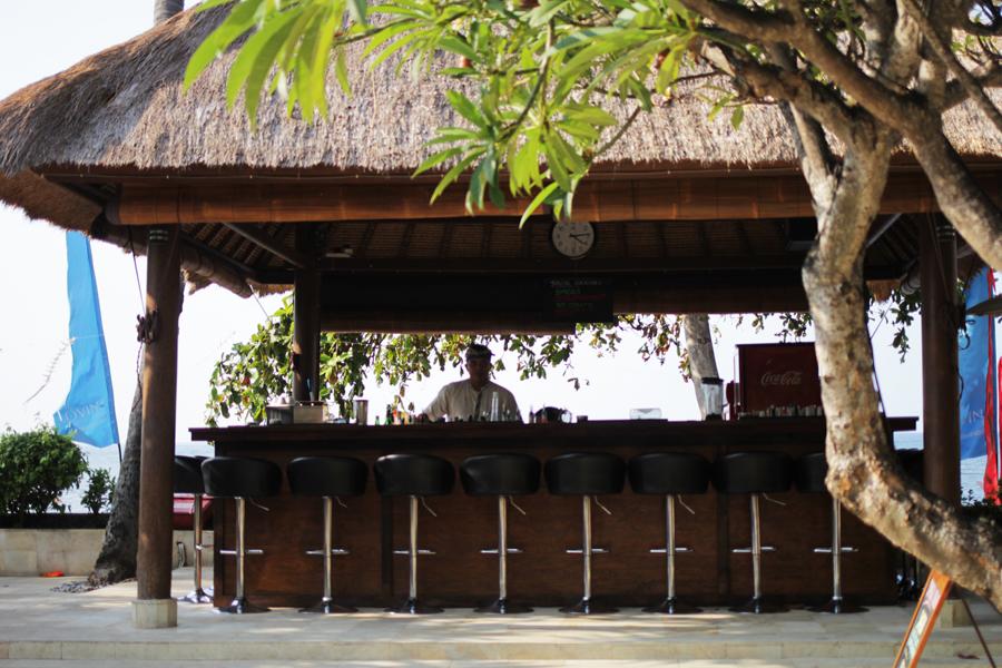 beach bar bali lovina