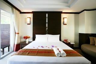 Ποιος λαός… κλέβει περισσότερο τα ξενοδοχεία;