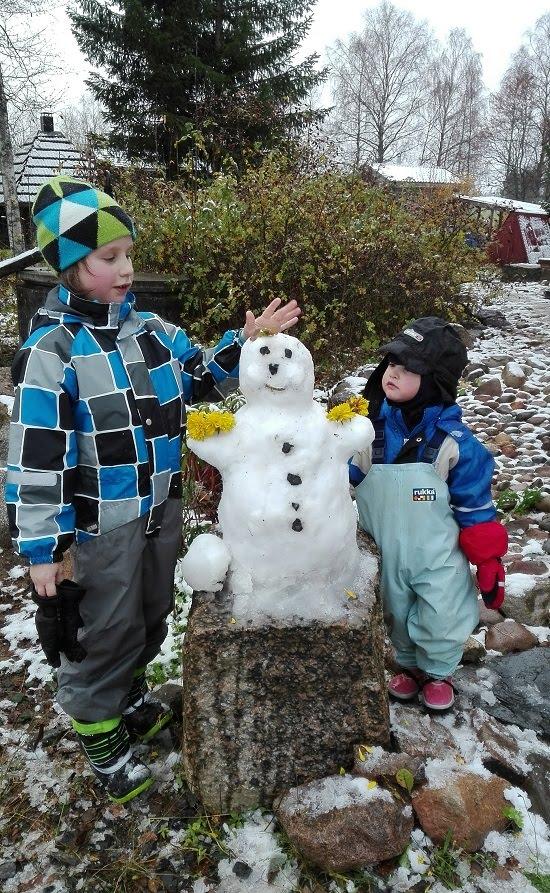lumiukko lumineiti ensilumi
