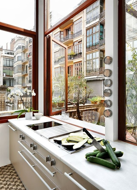 Windows and Natural Light In Kitchens 4