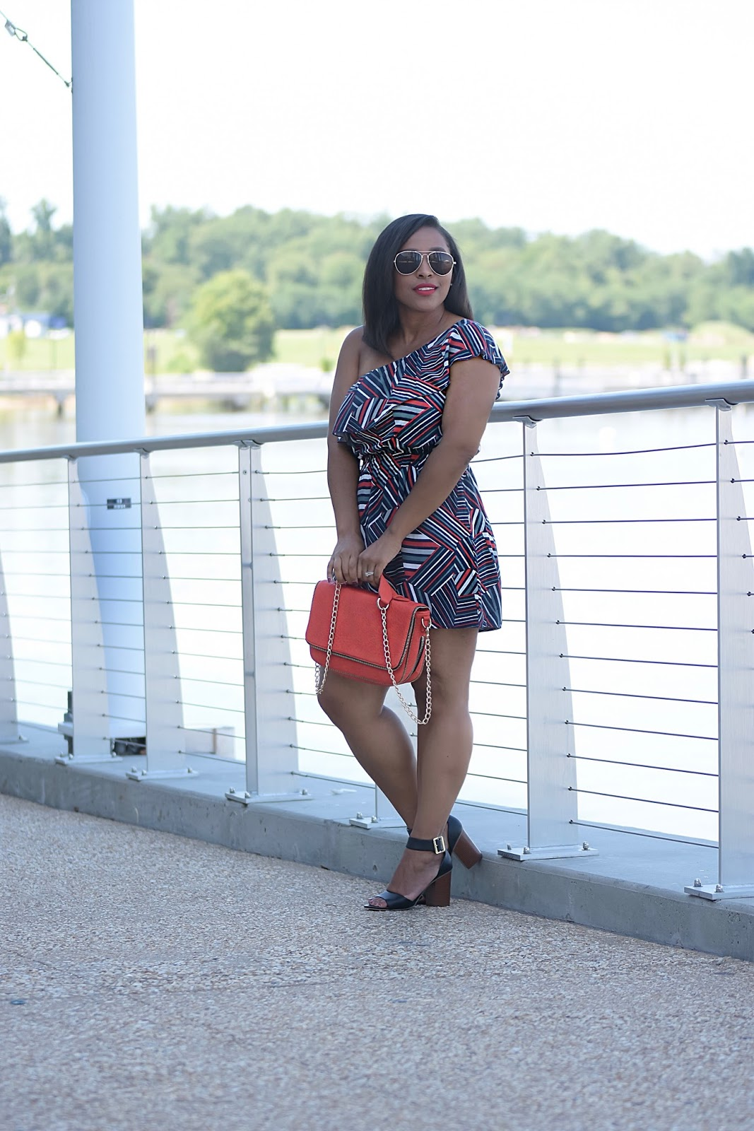Love Life In Color, Thred up, second hand clothing, budget blogger, colorful dresses, summer dress, red purse, thrift finds, national harbor, streetstyle