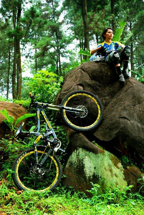 risa suseanty atlet cantik serba bisa sahabat sepeda