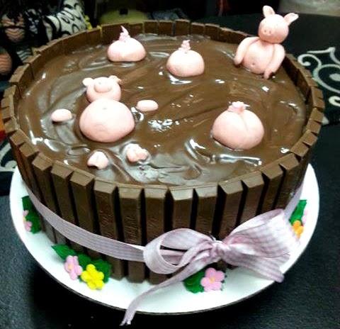 Kit Kat Birthday Cake With Pigs