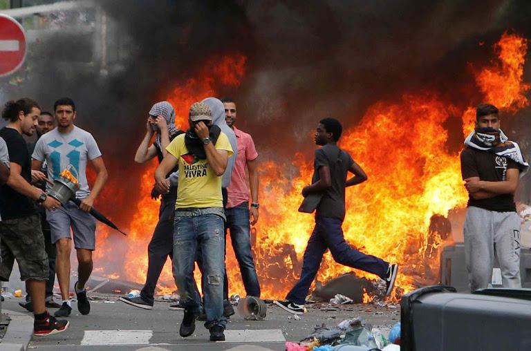 Paris: a violência não lhes garante a ocupação, mas sim o vazio moral e populacional cristão