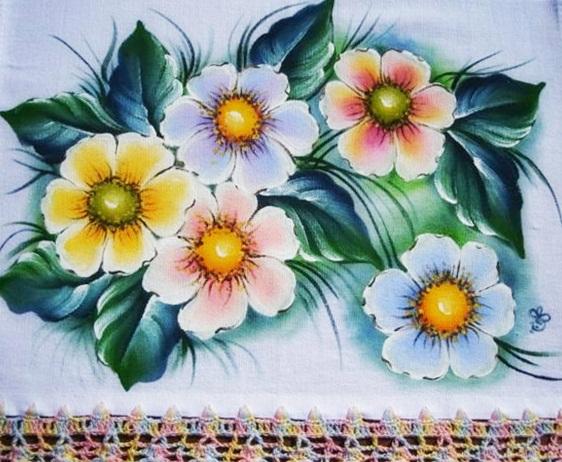 pano de prato pintado a mão com flores