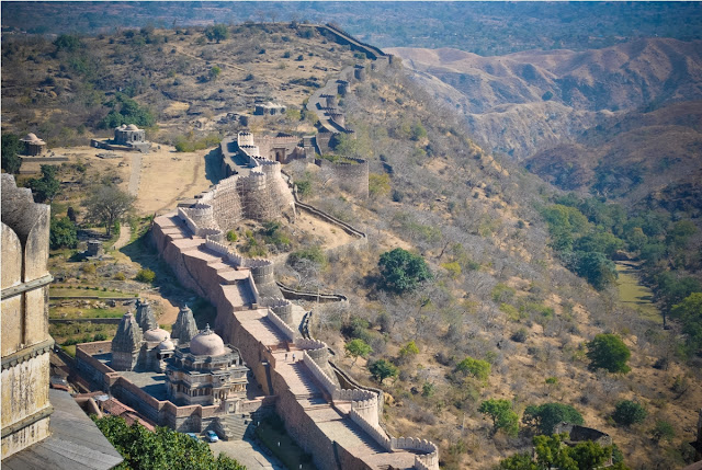 9-The_boundary_walls_of_Kumbhalgarh_fort