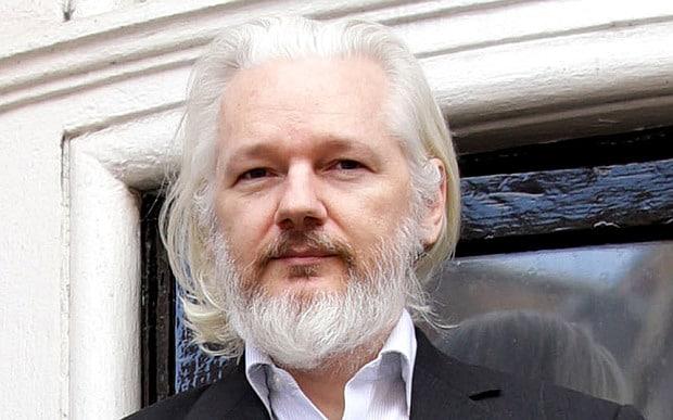 Equador concede nacionalidade equatoriana ao fundador do WikiLeaks, Julian Assange, que está exilado na embaixada do país em Londres há mais de cinco anos.