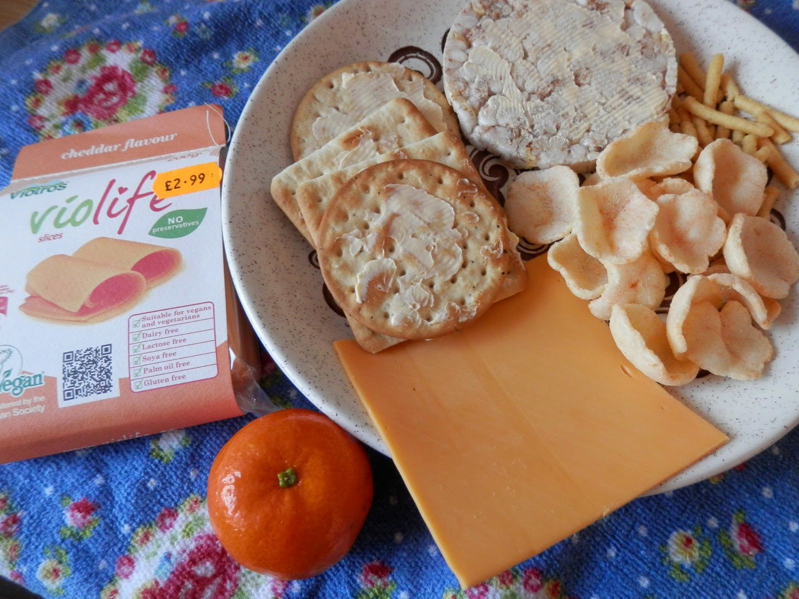 Vegan Violife cheese and crackers  secondhandsusie.blogspot.co.uk