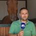 Απολαυστικό βίντεο: Άλογο δεν αφήνει σε ησυχία ρεπόρτερ του «Μακεδονία TV»