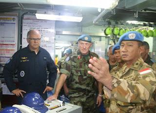 Force Commander Unifil Berkesan Kunjungi Satgas MTF TNI di KRI Usman Harun
