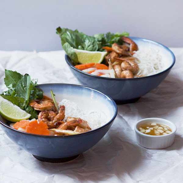 Vietnamese Lemongrass Shrimp Noodle Bowl // Pickled Daikon and Carrots