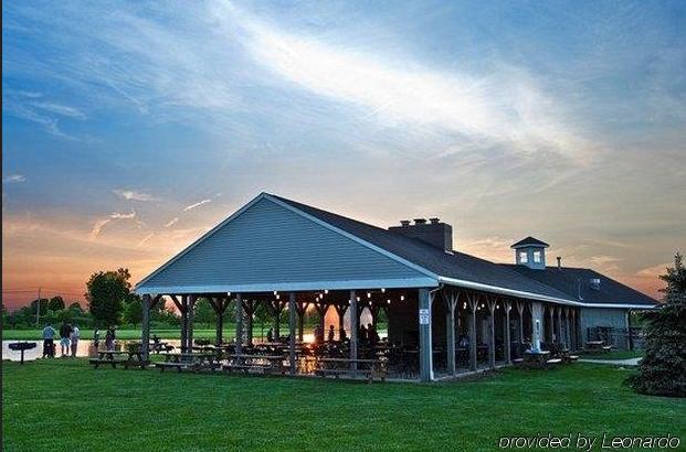 Marblehead Wedding Venues Lake Erie Islands Resort And Marina Wedding