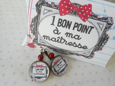 https://www.alittlemarket.com/boucles-d-oreille/fr_boucles_d_oreille_dormeuse_cabochon_verre_un_bon_point_a_ma_maitresse_boite_cadeau_merci_maitresse_blanc_noir_-18234743.html