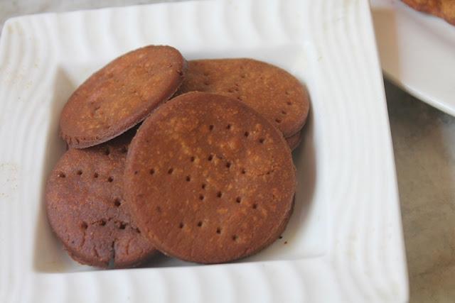 Sweet Mathri Recipe - Meethi Mathari Recipe - Sweet Crackers Recipe