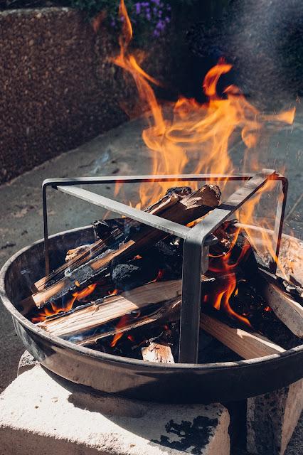Petromax-Pfannenknecht  Outdoor-Kitchen  Unterstützung für Pfannen und Dutch Oven im Lagerfeuer. 07