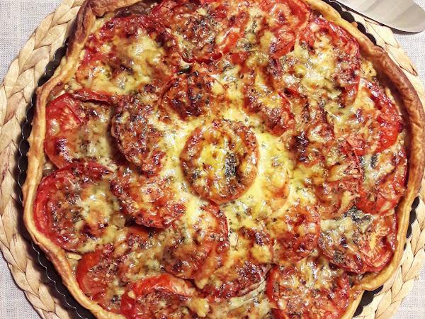 Tarte à la tomate, comté et moutarde
