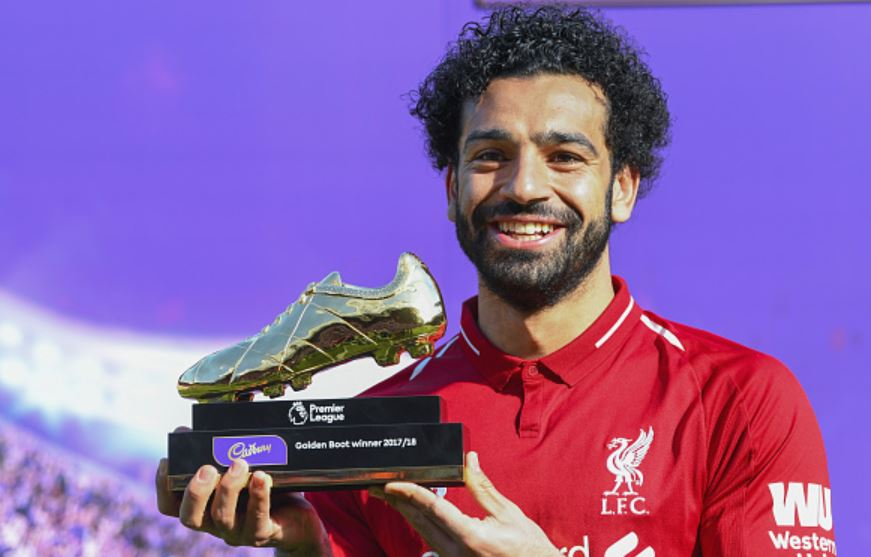 Salah-with-his-Golden-Boot-trophy