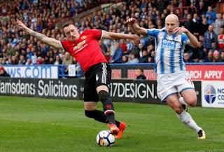 Manchester United Tumbang di Kandang Huddersfield Town