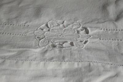 sabanas de lino  bordadas