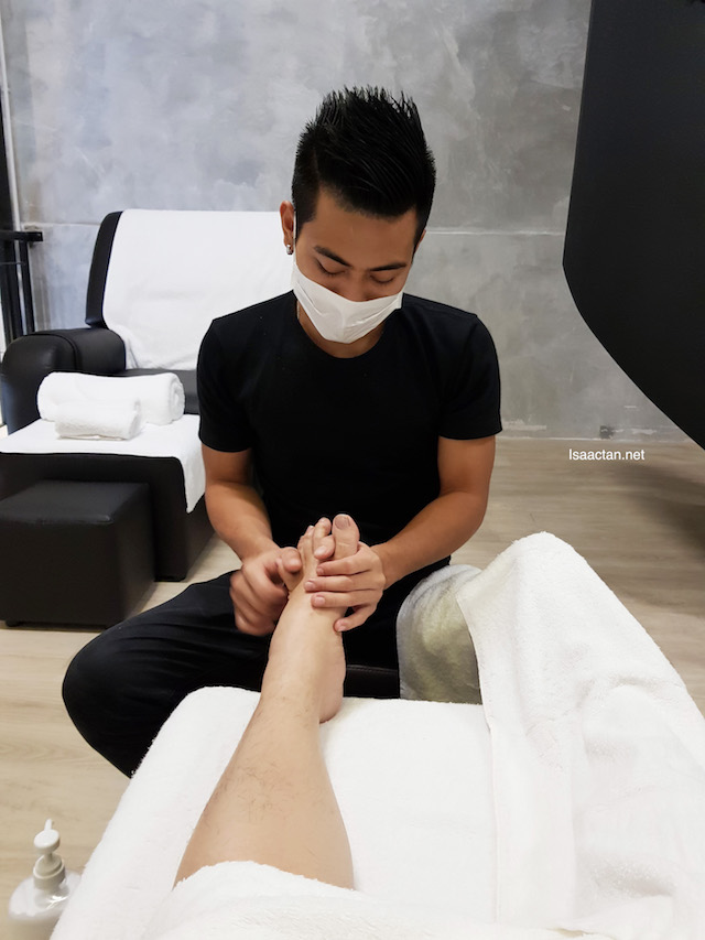 Foot Reflexology in session